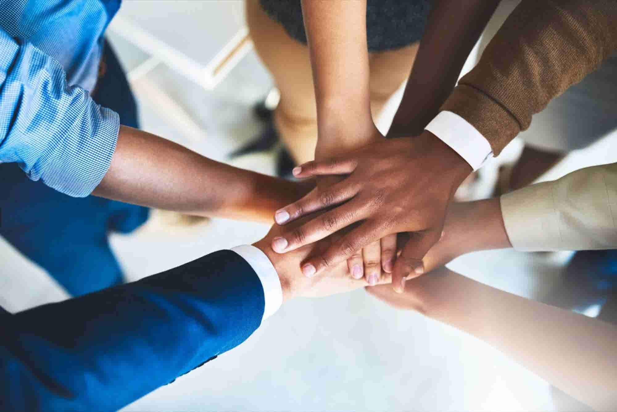 7 Apps to Bring Your Team Together