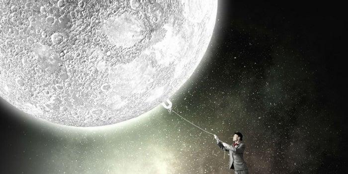 """Llegar a la luna: el arte de """"briefear"""" a las agencias"""