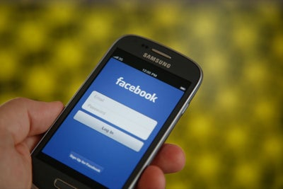 How to Use Facebook to Bring in an Extra $10,000 a Month Without Runni...