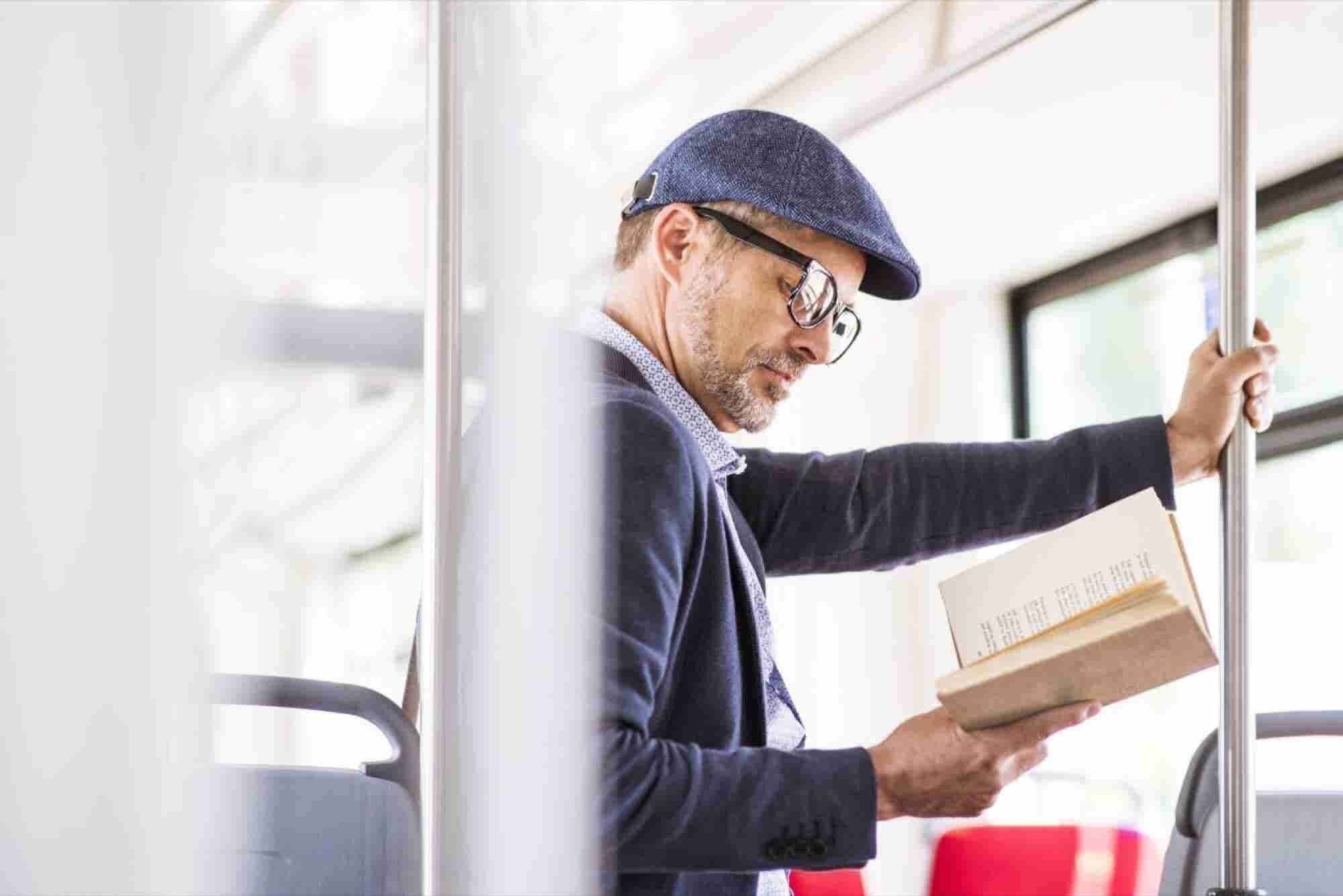 8 Books Every Manager Should Read to Become a Better Leader