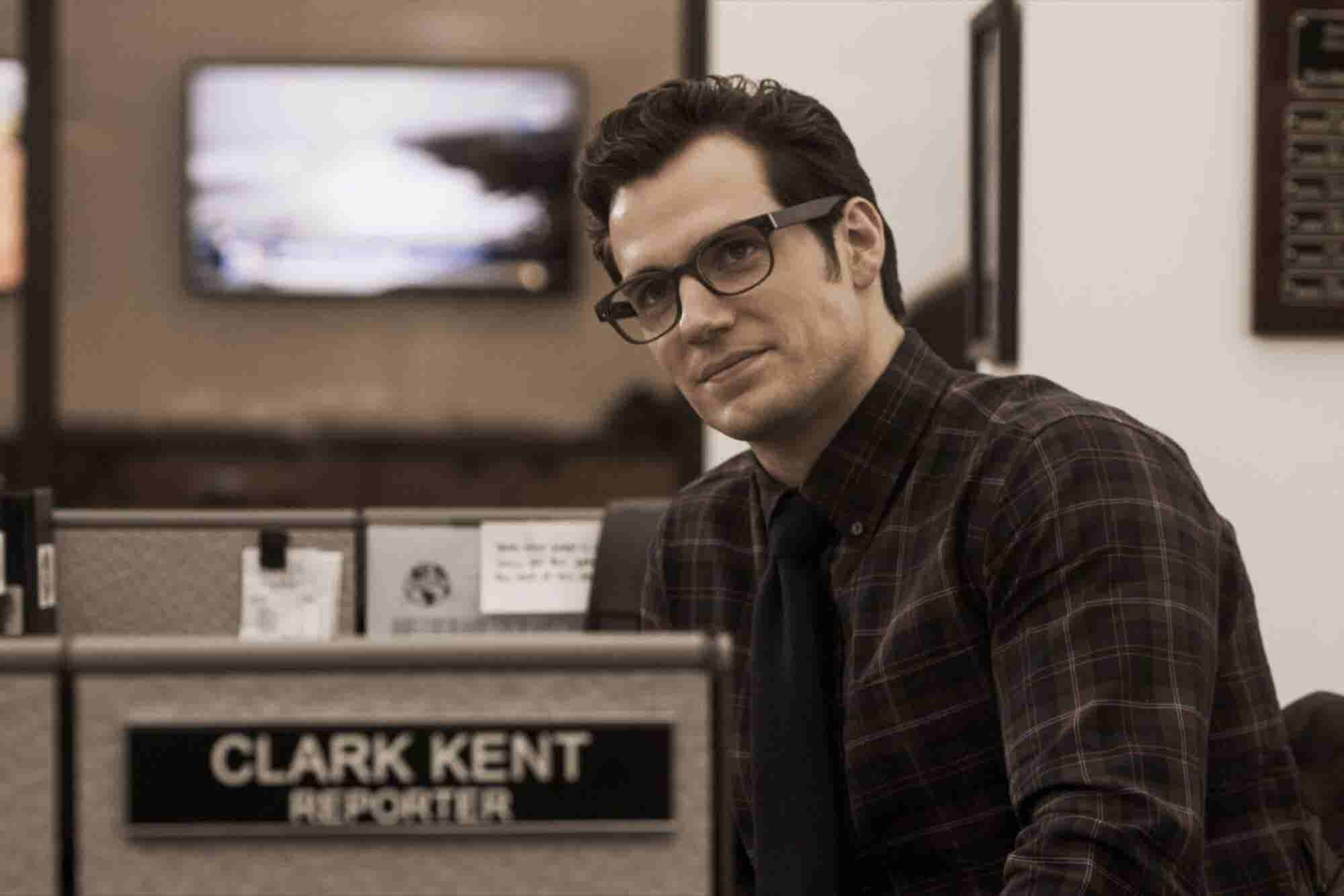 Be Clark Kent, Not Superman: 5 Simple Ways to Become the Office Superh...