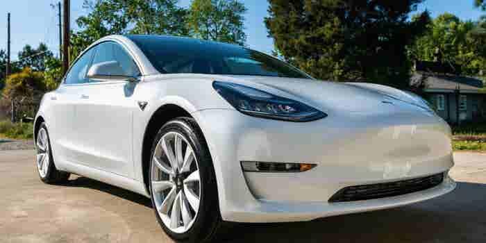 ¿La 'Biblia' critica el nuevo modelo de Tesla?