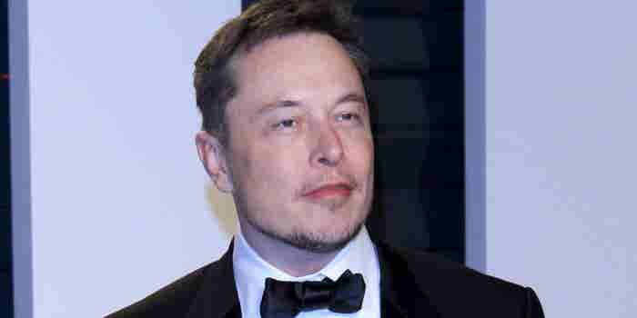 Elon Musk arremete contra periodistas