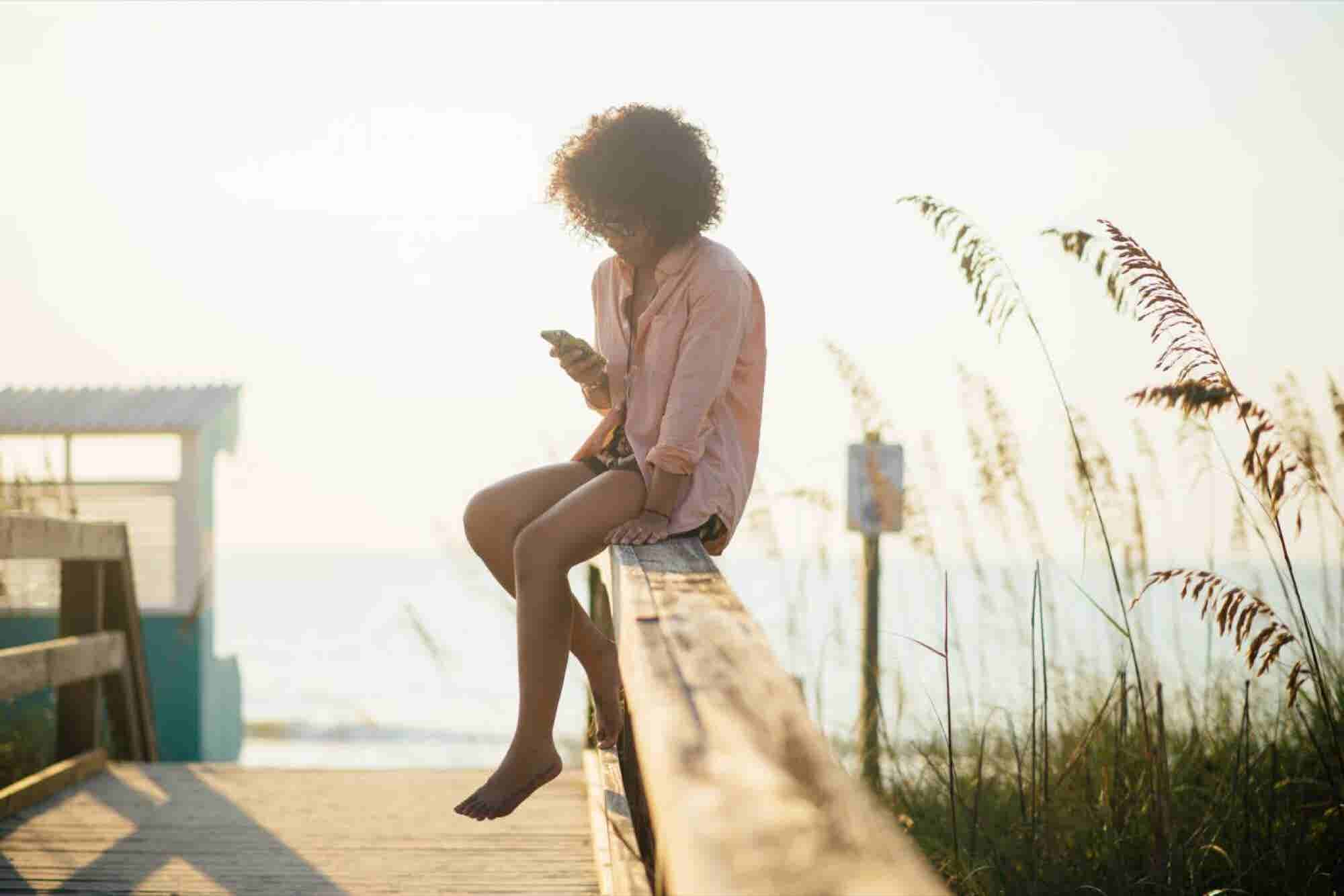 It's (Almost) Summertime, and Customers Are Distracted. Here Are 5 Ecommerce Trends You Need to Pay Attention to, to Keep Customers Listening.
