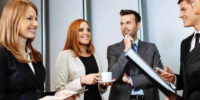 Cómo superar las crisis a través de los contactos correctos