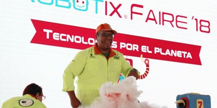 Niños mexicanos buscan salvar a los animales con robots