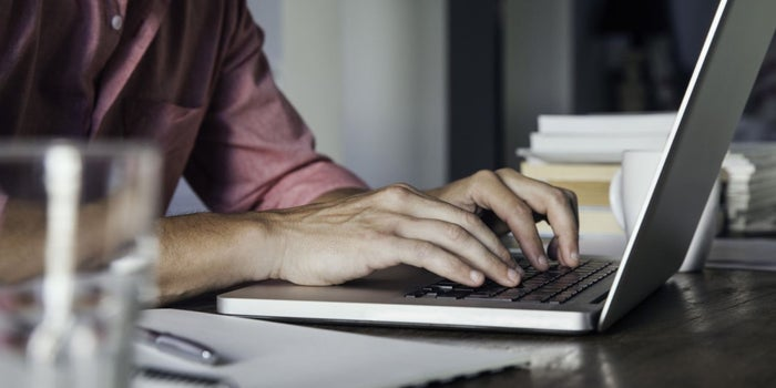 Want to Publish a More Gripping Blog? Try These 3 Power-Writing Tips.