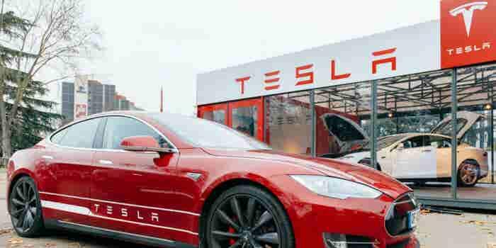 Musk anuncia el modelo V9 de Tesla y dispara sus acciones