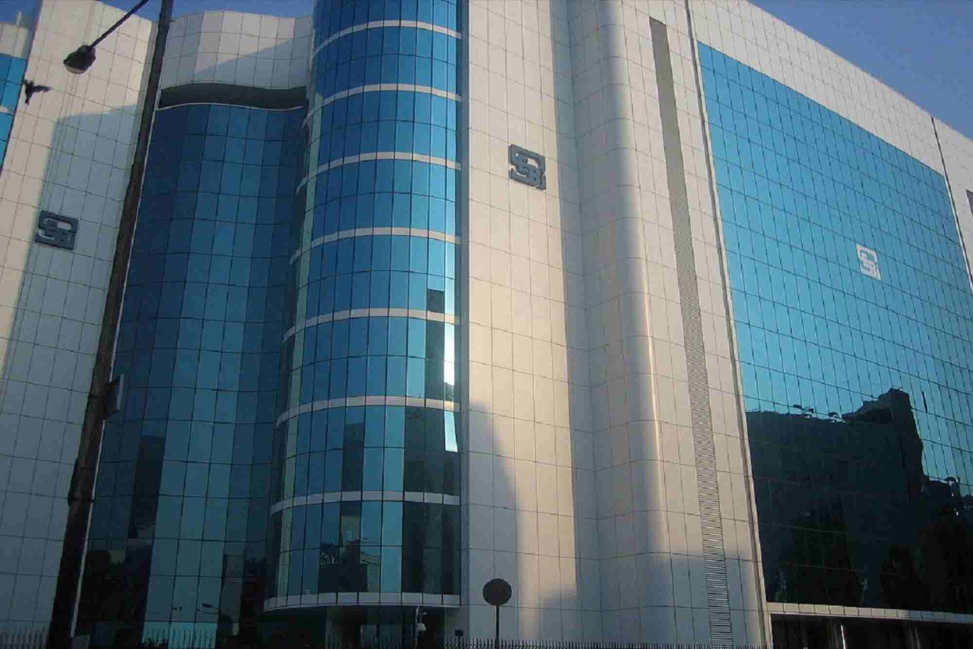 SEBI Wants Startups to List in India & Reliance Relies on AI Again: 4...