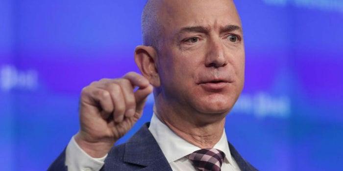 La carta de 400 empleados a Jeff Bezos para pedir aumento de sueldo
