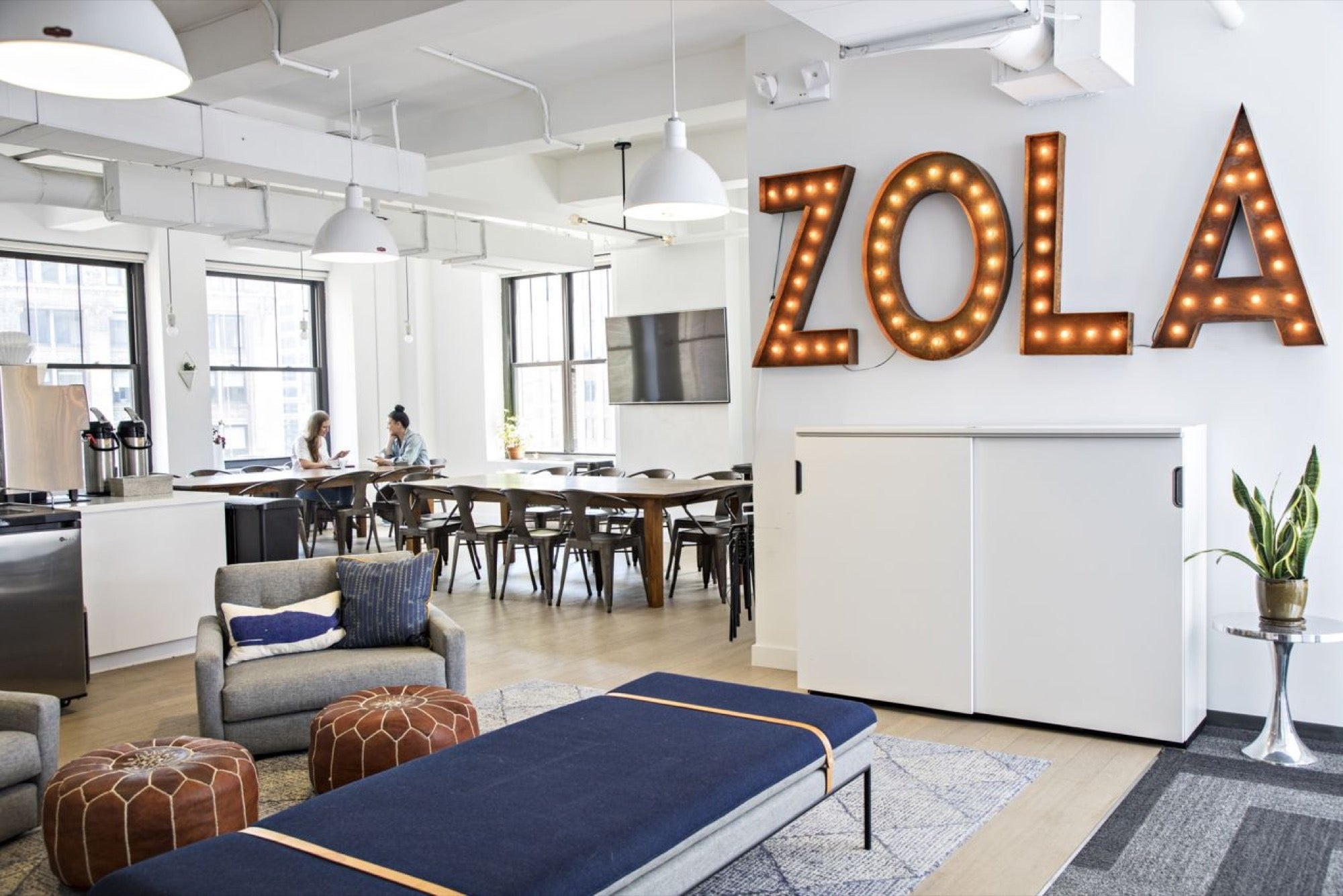 Hereu0027s How The Office Space For Wedding Registry Company Zola Keeps Its  Employees Engaged With The Brand