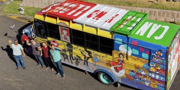 El camión mexicano que atravesó el mar para llegar al Mundial