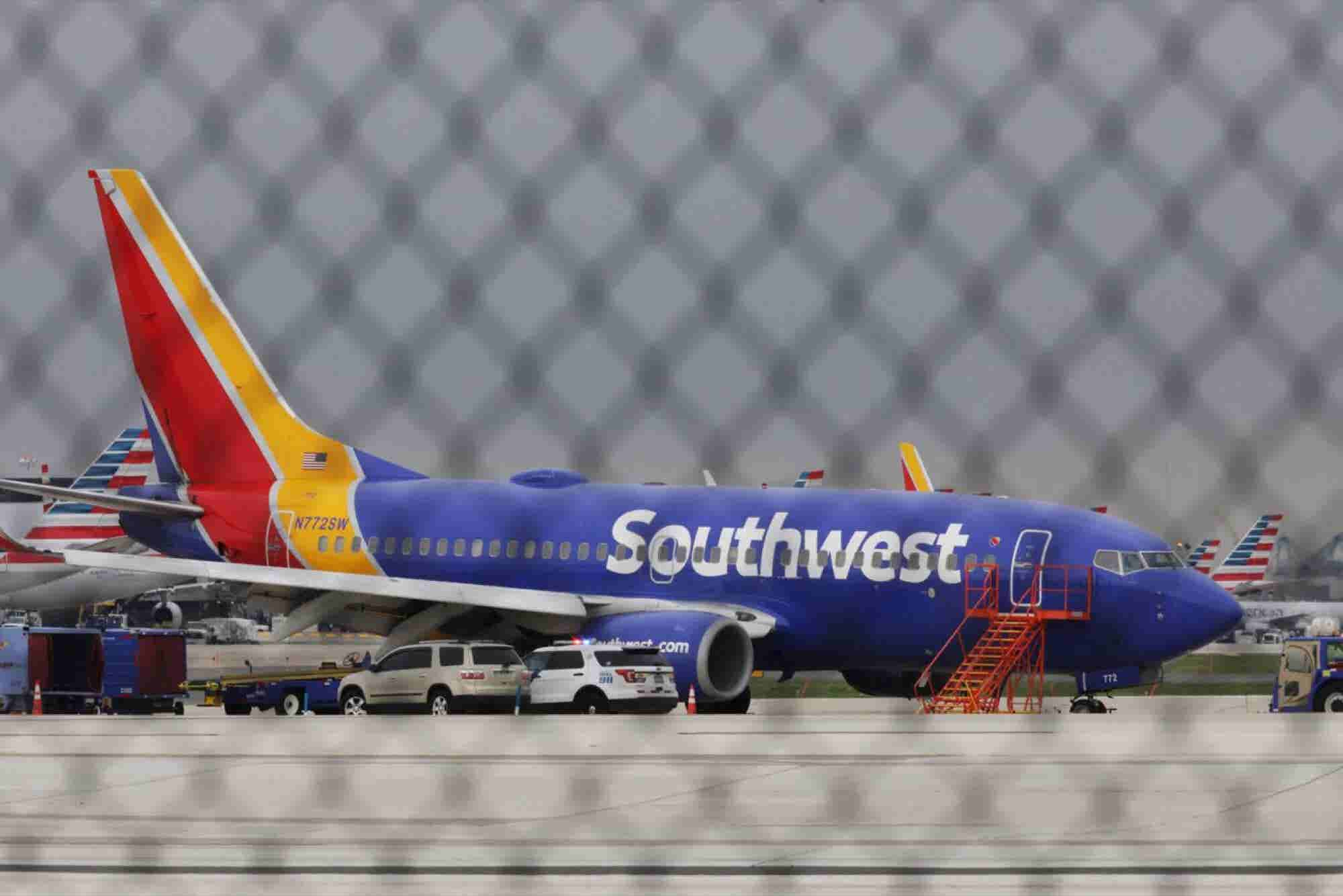 Southwest's Heroic Crew Shows How a Strong Leader and Preparation Crea...