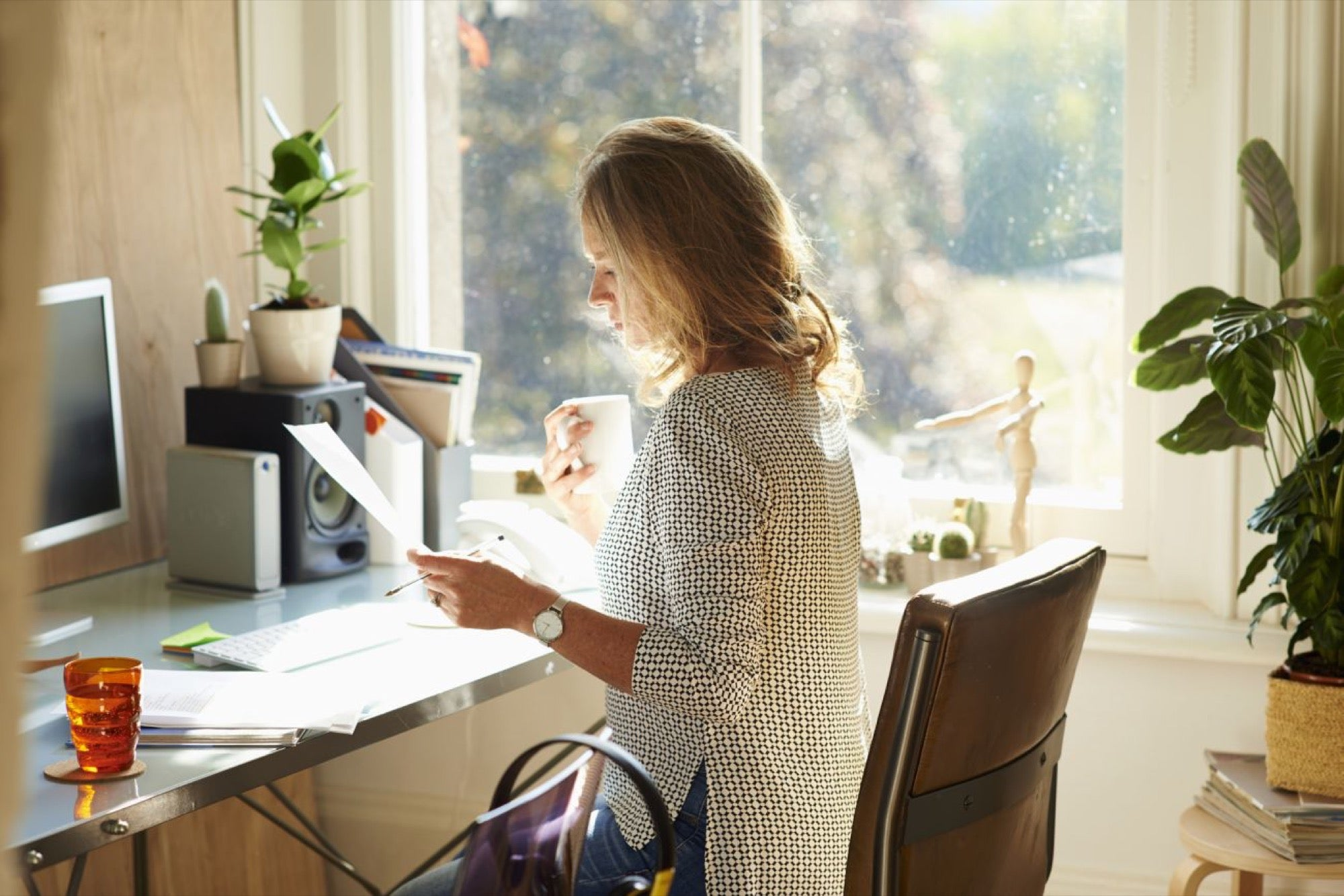 5 Worthwhile Things to Make Your Home Office More Productive