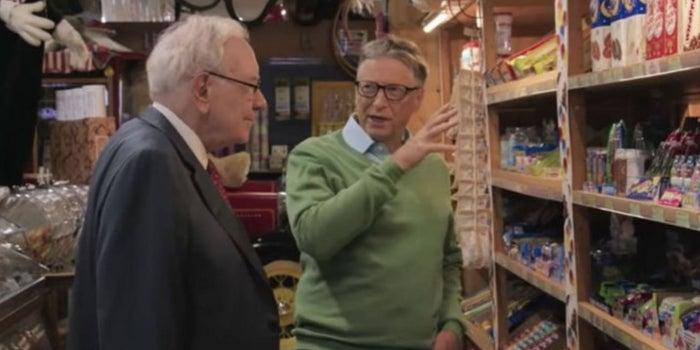 ¿Los multimillonarios son como nosotros? Así es como Bill Gates y Warren Buffett compran dulces