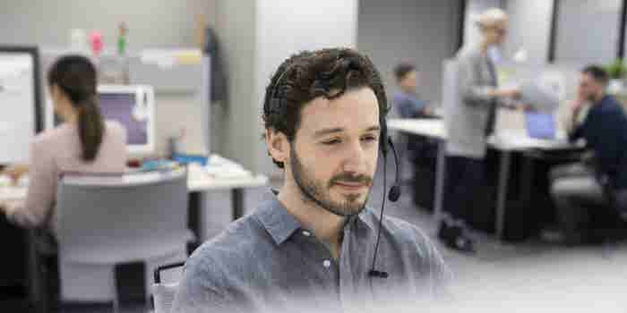Why Your Salespeople Need to Spend Time in Customer Service