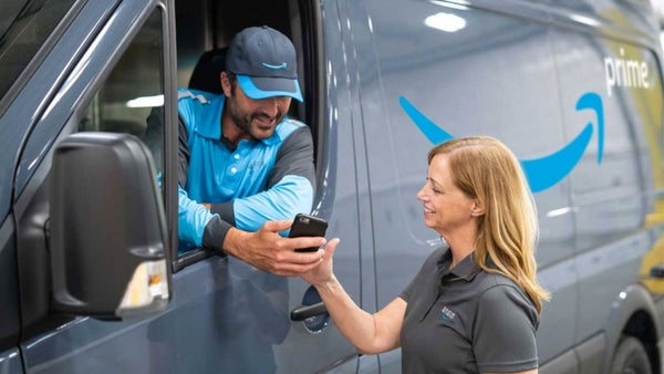 Amazon Will Let Entrepreneurs Start Their Own Delivery