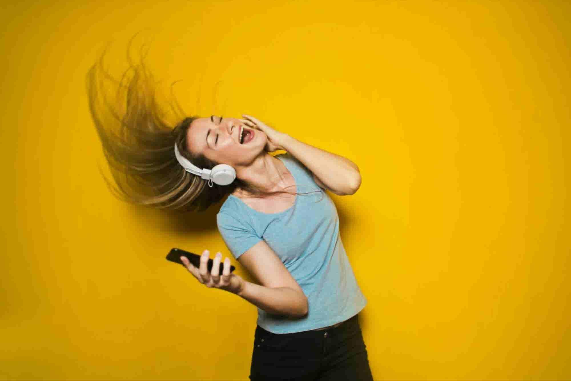 25 canciones que te levantarán el ánimo