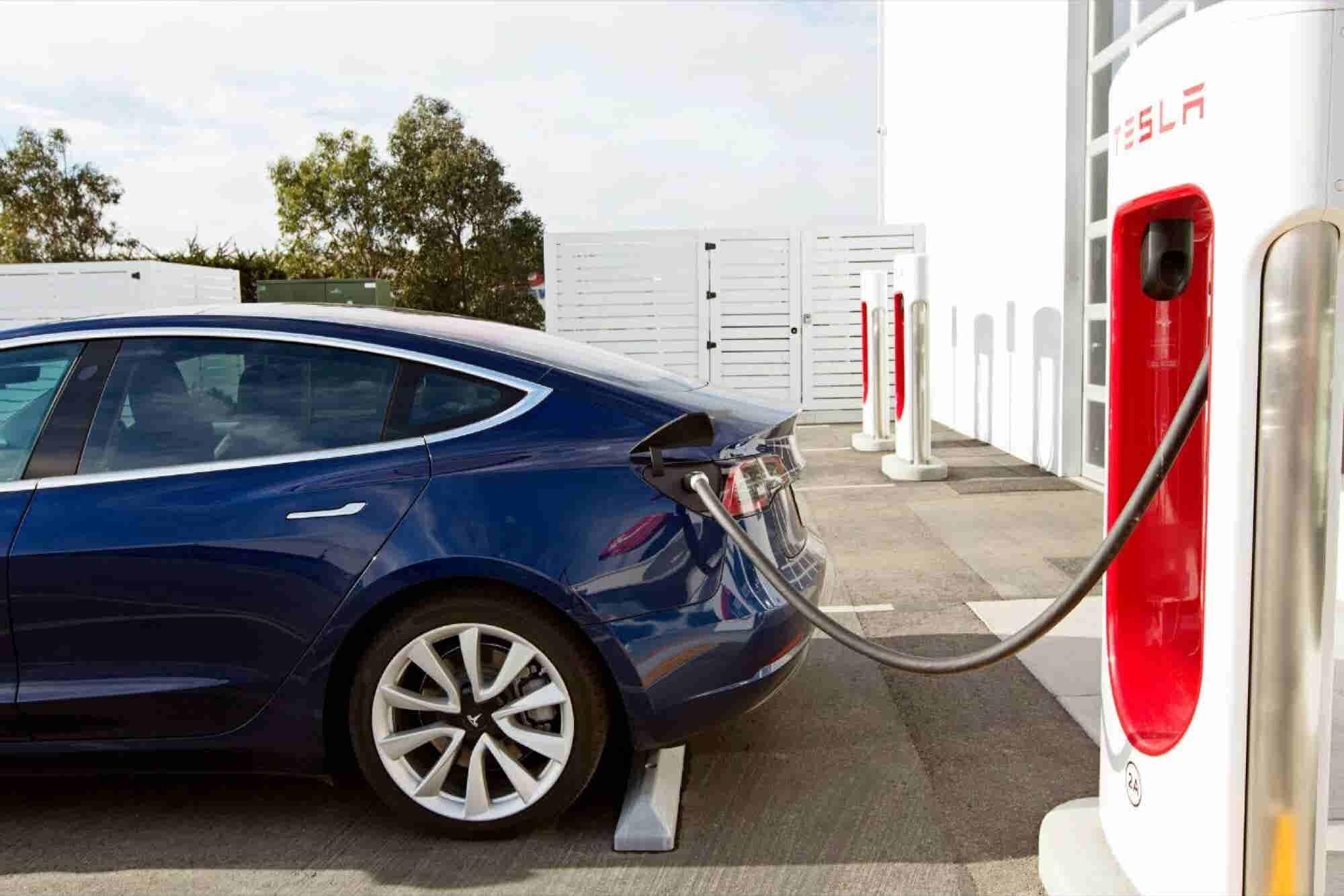 Elon Musk está irritable con la producción del Model 3 de Tesla