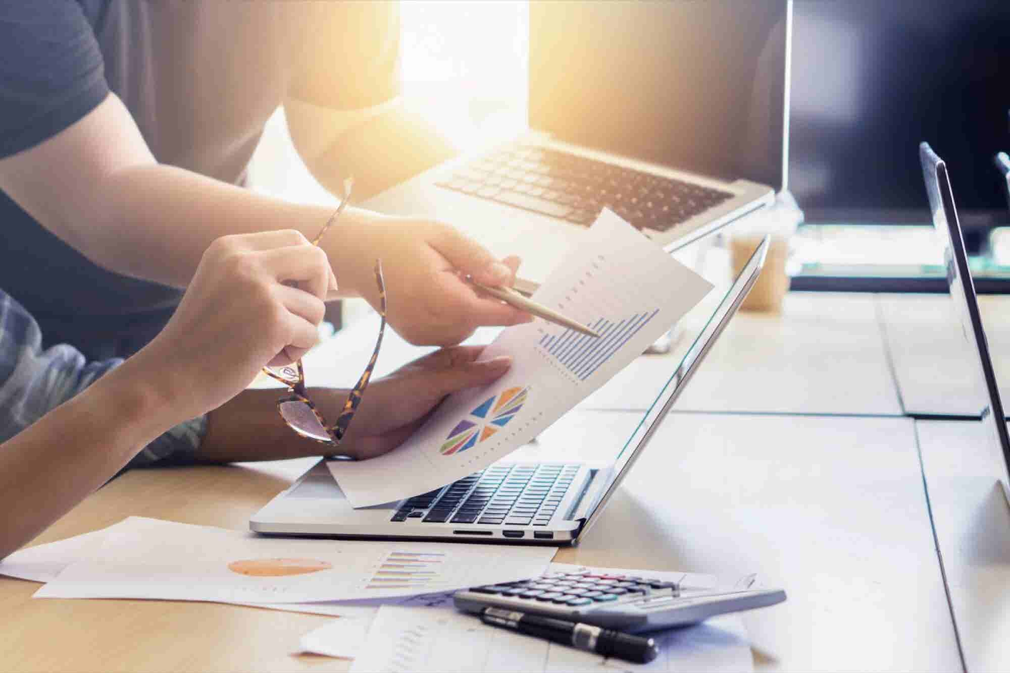 4 Effective Business Models That Built Billion-Dollar Companies