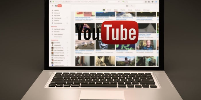 Do You Know You Can Watch Youtube While Working on Other Apps?