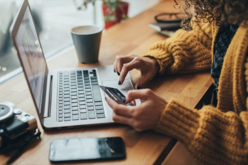 5 Hot Trends That Will Continue to Change Your Ecommerce Horizons in 2018