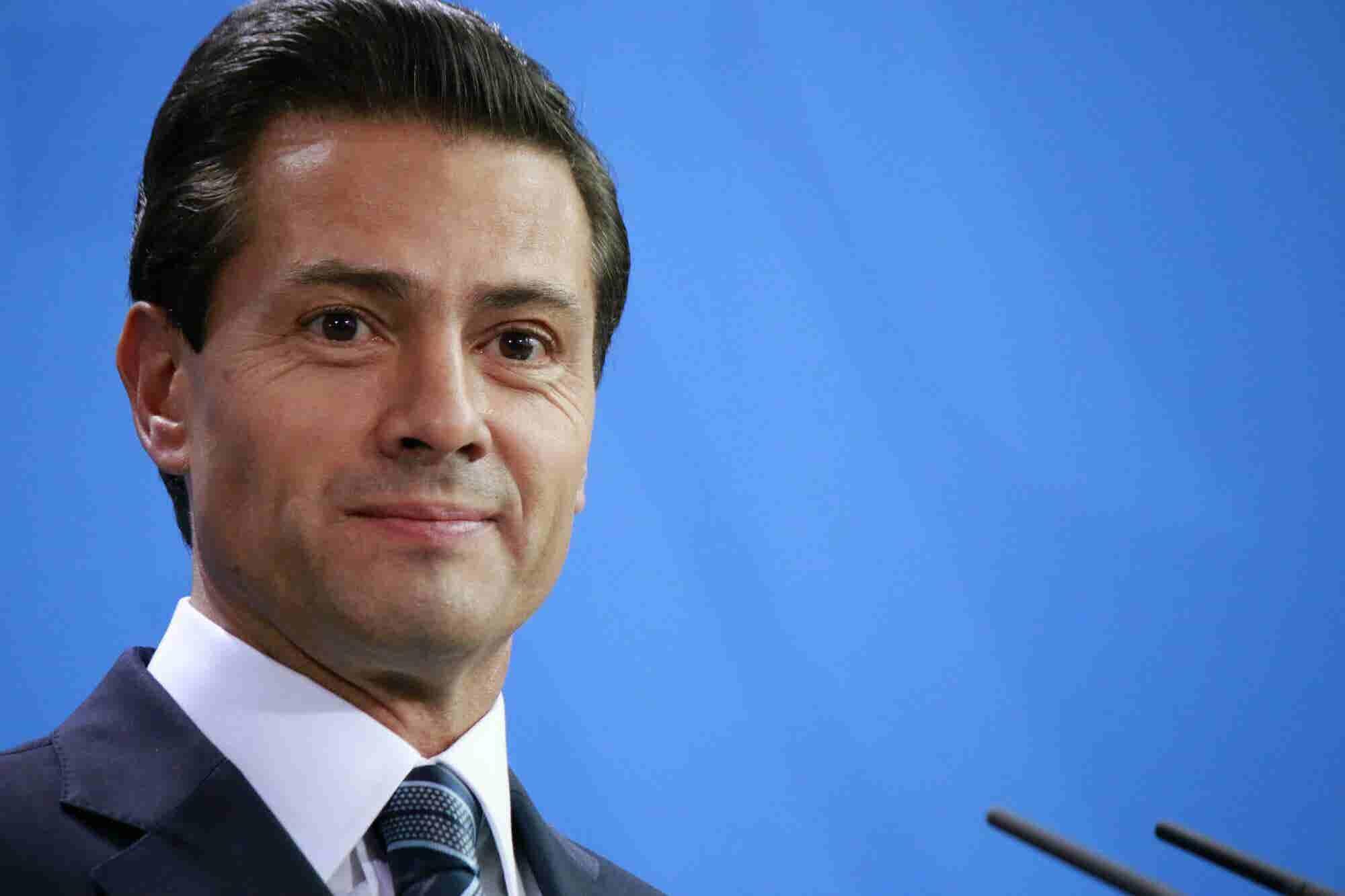 Twitter le quita a Peña Nieto 70,000 seguidores y 22,000 a López Obrador