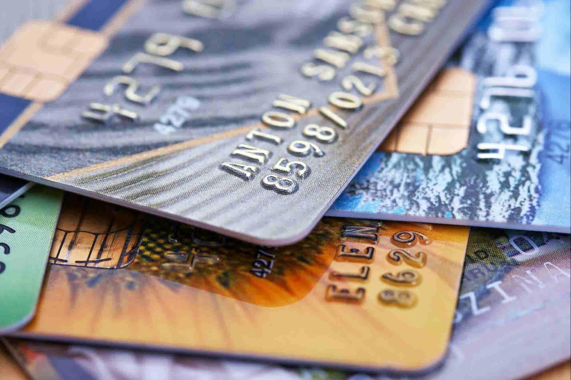 Qué es una tarjeta de crédito empresarial (y por qué la necesitas)
