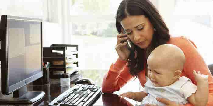 Cómo elegir la opción adecuada para emprender mientras tu bebé llora