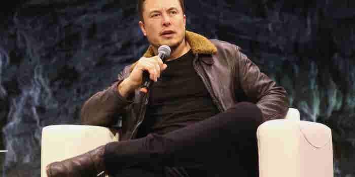 ¿Qué rayos le está pasando a Elon Musk?