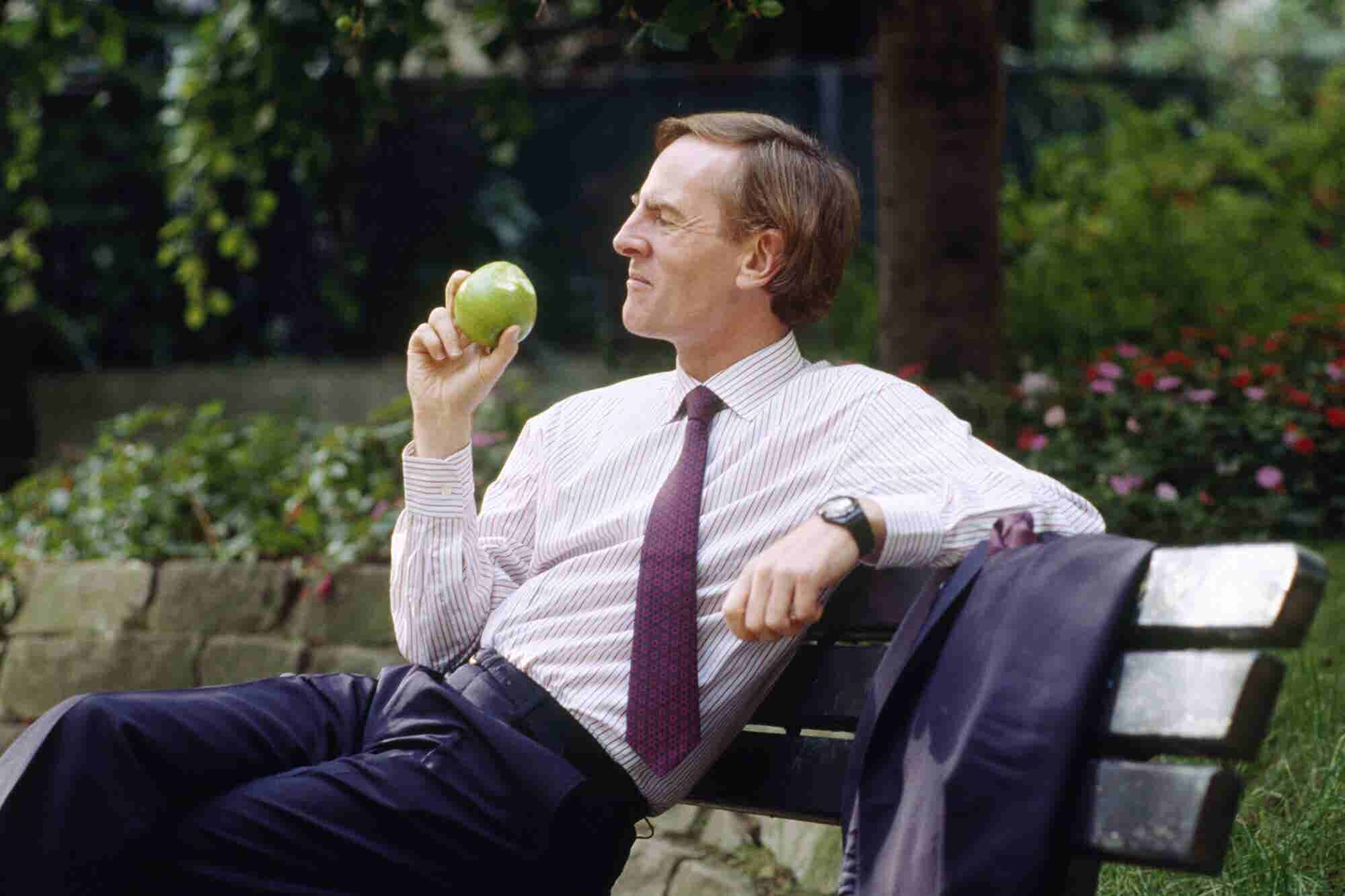 Former Apple CEO John Sculley Shares 4 Key Strategies for Growing and Marketing Your Business