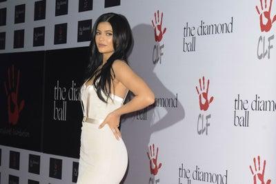 900 millones de dólares no son suficientes, crean campaña para que Kylie Jenner llegue a los mil millones