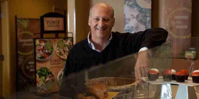 'Desearía haber despedido a más personas': fundador de Panera Bread