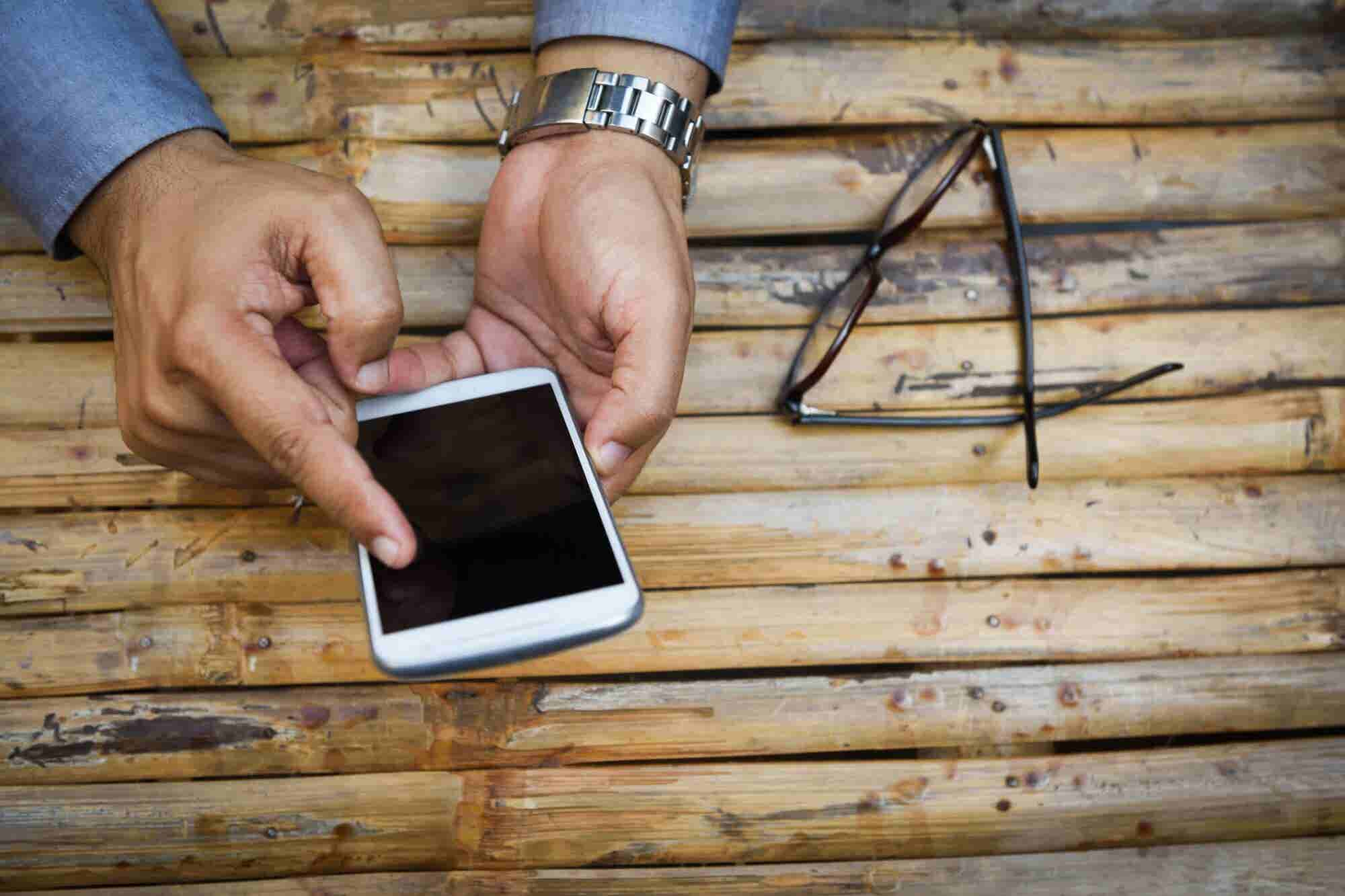 To Create More Authority for Your Brand, Get Your Own Mobile App