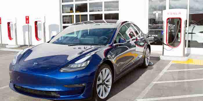 Tesla espera producir 6 mil Model 3 por semana