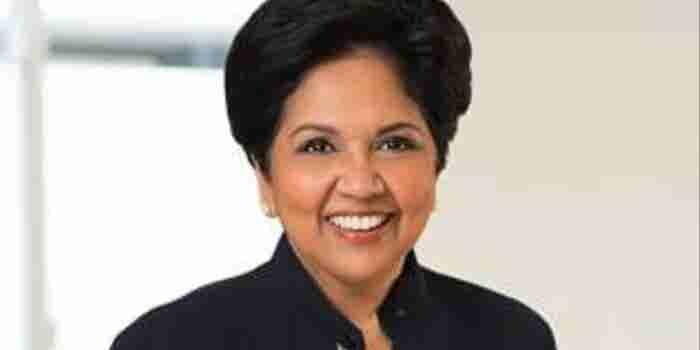 ¿Quién es Indra Nooyi, la CEO de Pepsi que hoy deja su puesto?