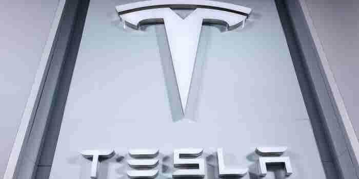 Elon Musk quiere sacar Tesla de la Bolsa y sus acciones se disparan