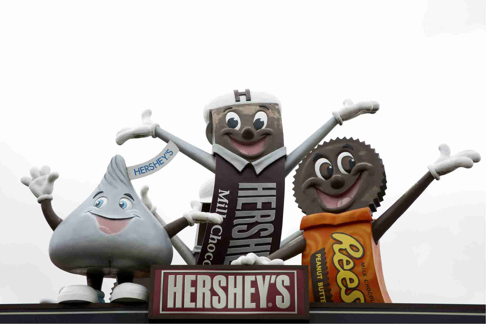 Hershey's retira publicidad tras ser tachada de clasista