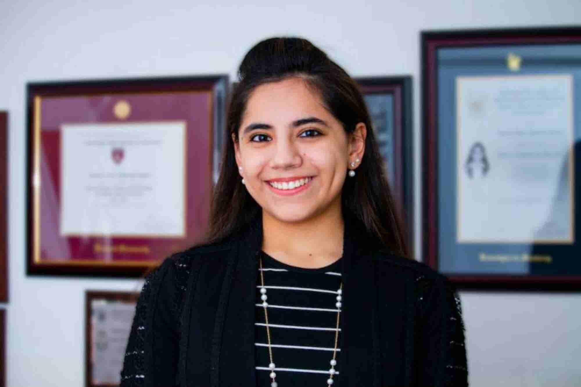 La psicóloga mexicana más joven del mundo gana premio de la juventud
