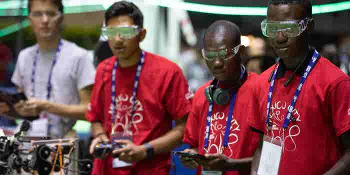 Jóvenes mexicanos ganan medalla de plata en Mundial de Robótica FIRST Global Challenge 2018