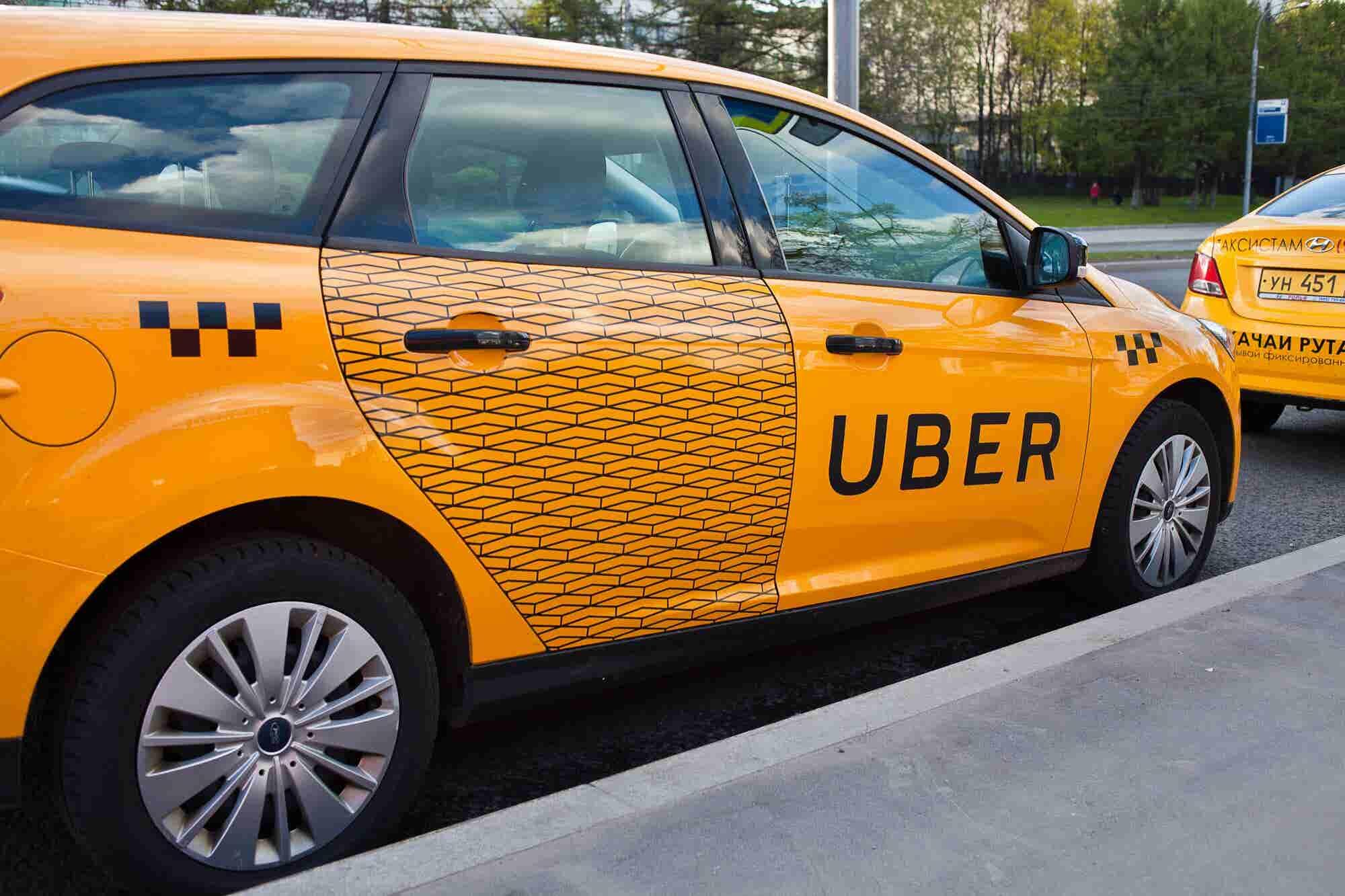 Uber, Easy y Cabify tendrán taxímetro