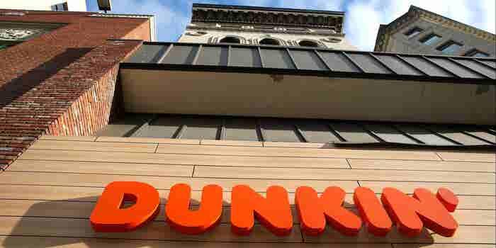Esta es la razón por la que Dunkin se quedó sin 'Donuts' en su nombre