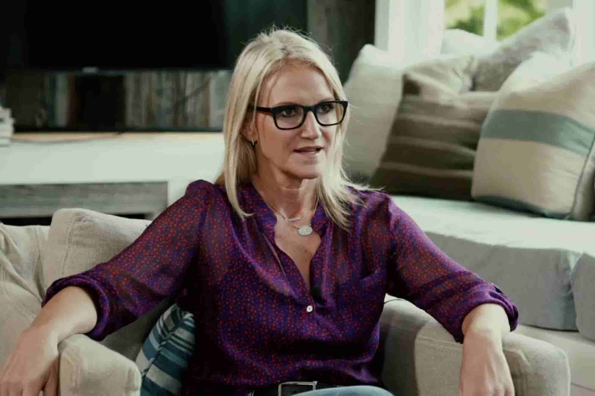 What Mel Robbins Did to Overcome Her Debilitating Anxiety and Achieve...