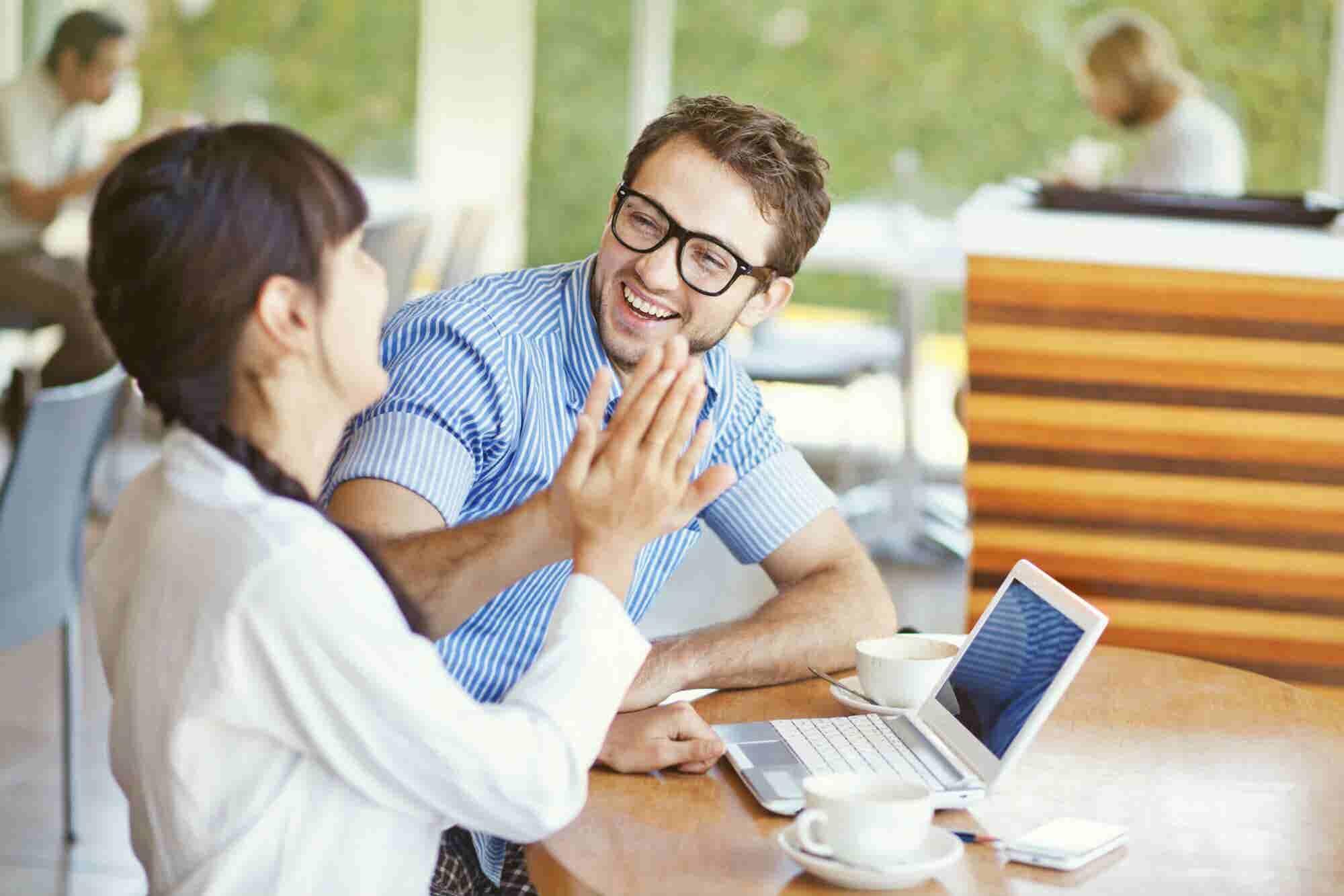 4 claves del empleado feliz