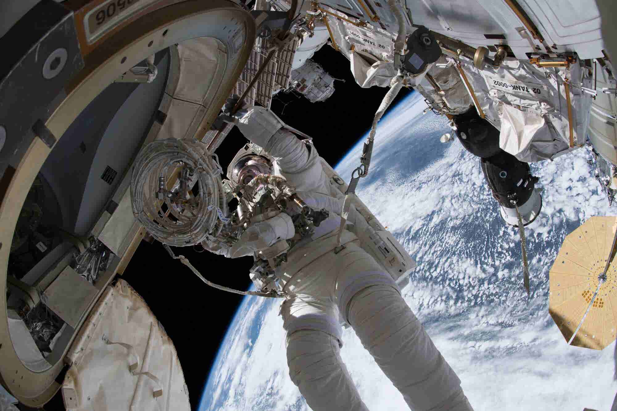 What Military Service and NASA Can Teach About the Value of Teams Over Tech