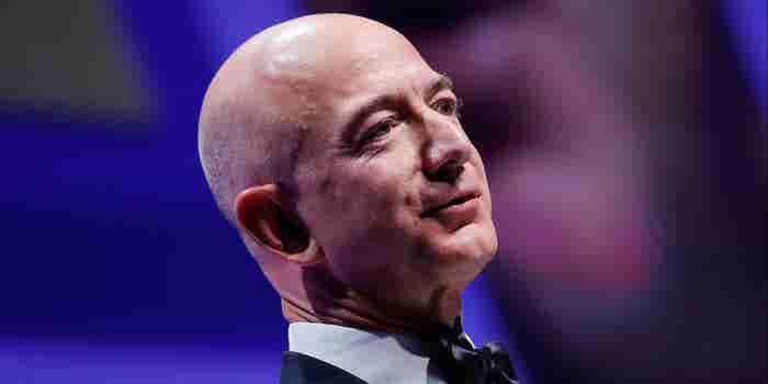 Jeff Bezos crea un fondo de 2 mil millones para escuelas y personas sin hogar