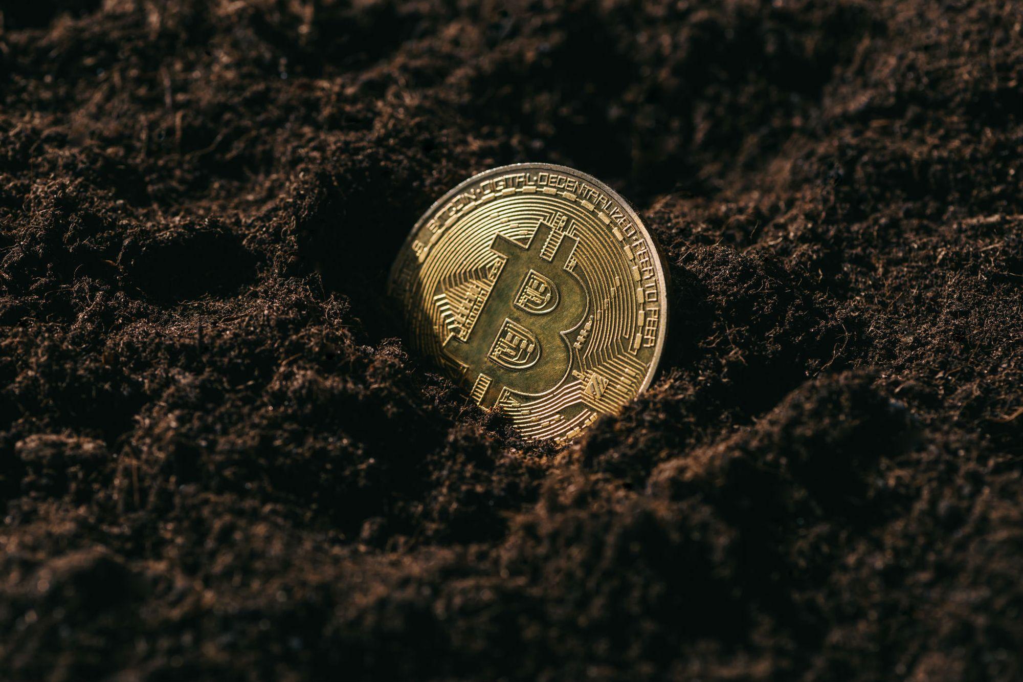 Bitcoin pierde 30% en su valor en una sola semana