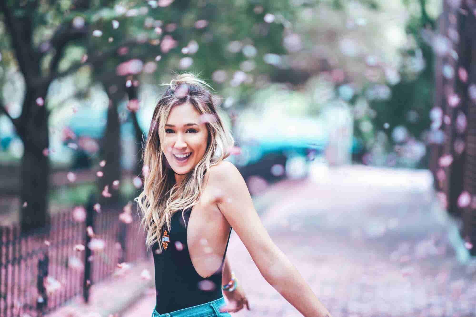 How LaurDIY Went From Dorm Room Blogger to YouTube Star With 8.4 Milli...