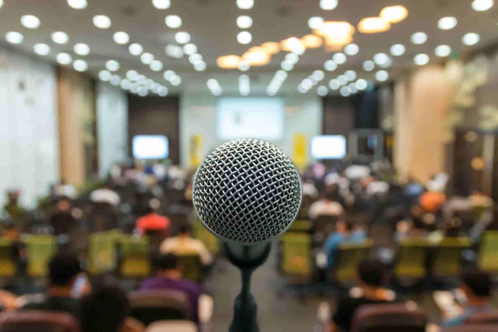 Podcast: ¿Miedo a hablar en público? Supéralo con estos 4 tips de oratoria