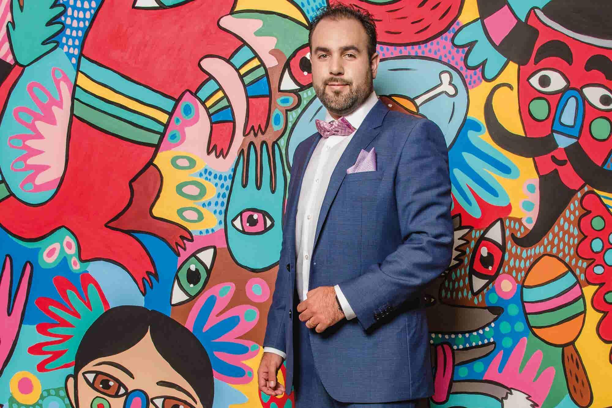 A los 21 años ideó su empresa, hoy es líder en la industria de desechables